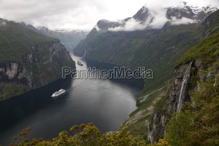 colore collina traffico turismo orizzontale norvegia