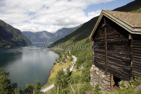 colore collina riflesso orizzontale norvegia allaperto