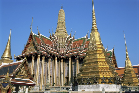 wat phra kaeo grand palace bangkok