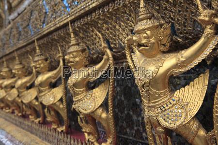 temple of the emerald buddha wat