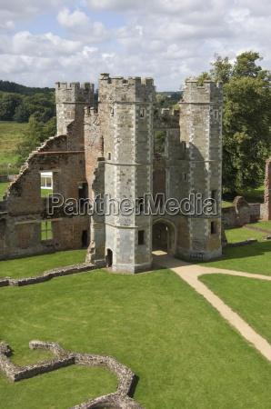 torre architettonico costruzione storico interno muro