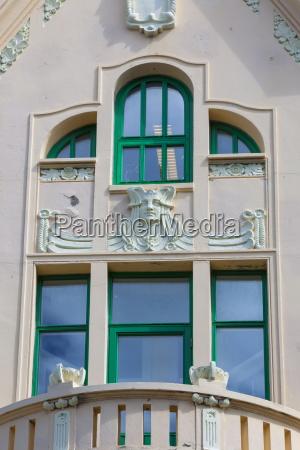 bicchiere viaggio viaggiare architettonico colore verde