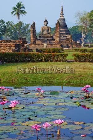 wat mahatat sukhothai historical park unesco