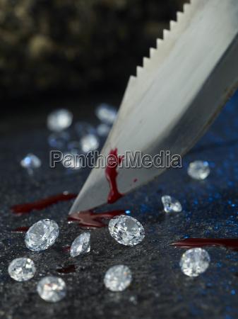 liquido combattimento guerra combattere gioielli ricchezza