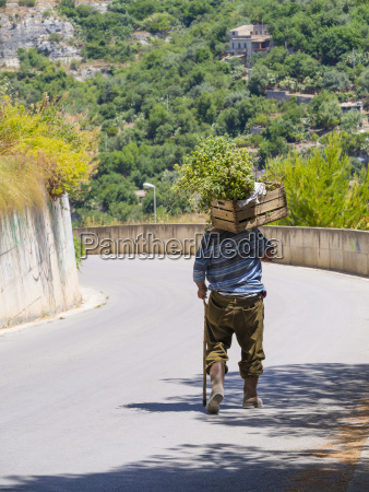 italia sicilia modica vecchio che trasportava