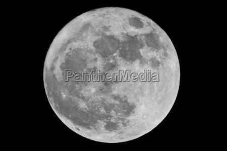 alemania luna llena en el cielo