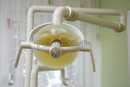 lampada in chirurgia dentale