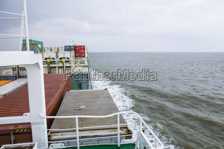 traffico nave container nuvola acqua mare