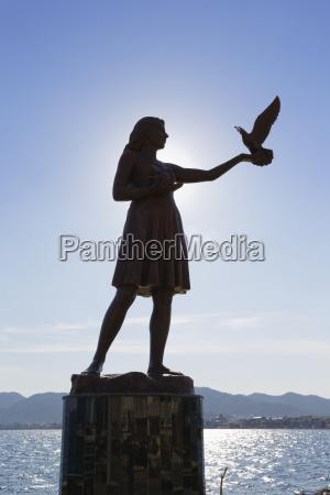 viaggio viaggiare statua scultura luce del