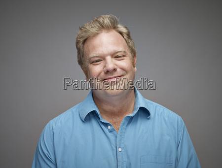 blu risata sorrisi ritratto rilassato amichevole