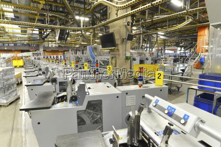 moderne macchine industriali in una tipografia