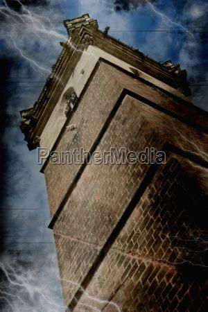 francia alsazia steeple vista ad angolo