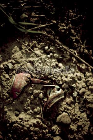 suolo terra terreno rotto ruggine sporco