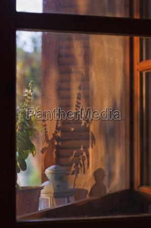 finestra grecia alba luce del sole