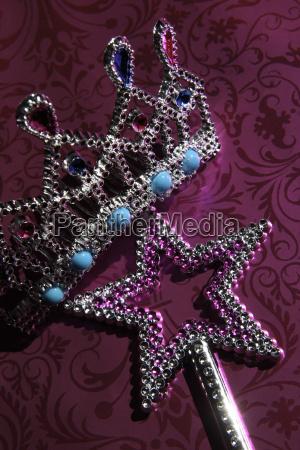 gioielli decorato kitsch magia incantesimo luccichio