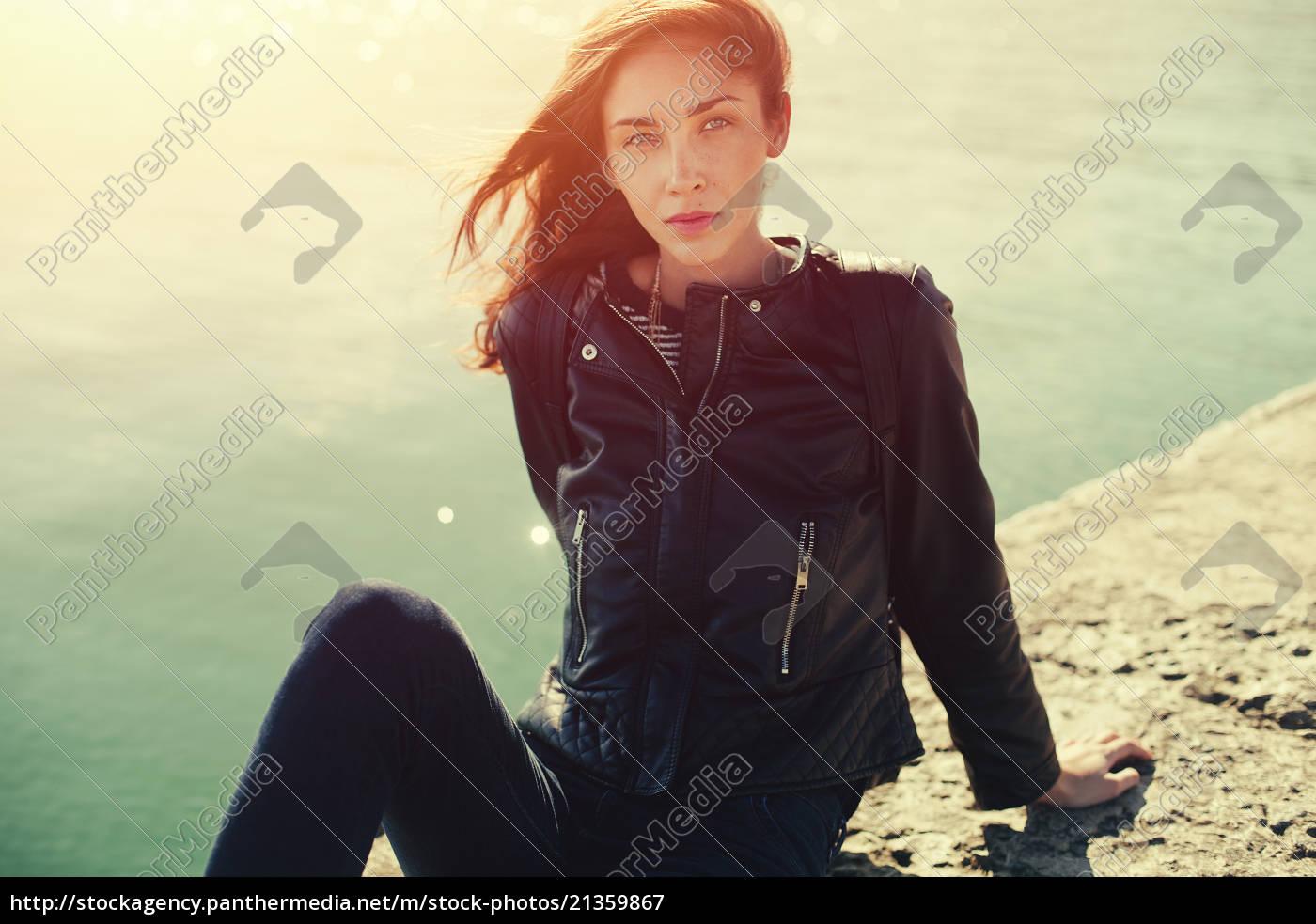 bella, donna, in, jeans, e, giacca. - 21359867