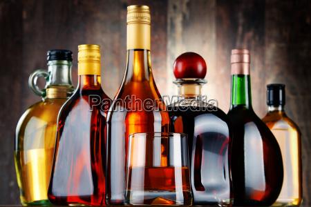bere alcool bottiglia bibita spirito whisky