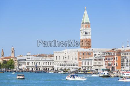 blu torre viaggio viaggiare architettonico storico