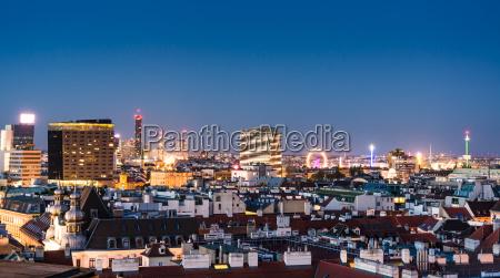 costruzione citta orizzonte notte luci turismo