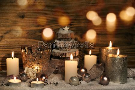 natura morta di natale con candele