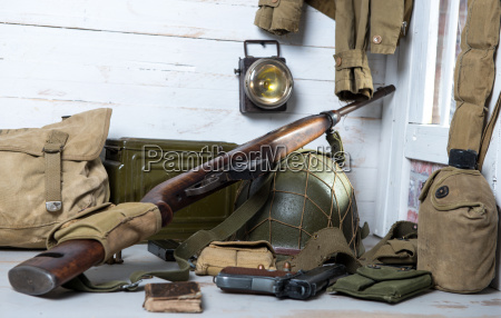 attrezzature militari e armi della seconda