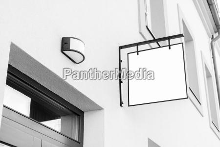 segnaletica commerciale in bianco e nero