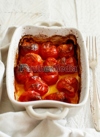 casseruola di pomodorini arrostiti
