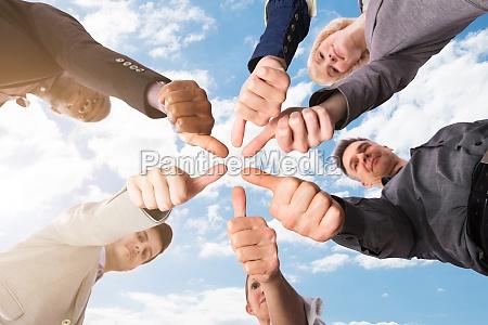gesto ufficio gestualita uomini daffari su