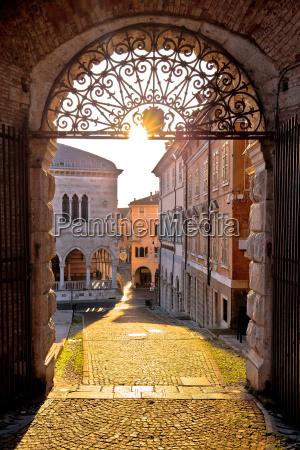 piazza sguardo vista monumentale quadrato italia