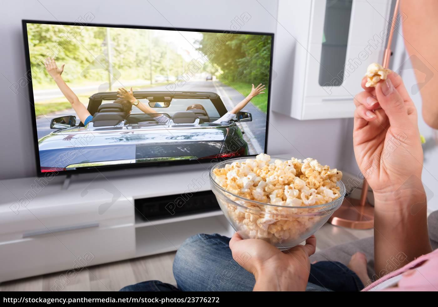 mano, della, persona, che, tiene, popcorn - 23776272