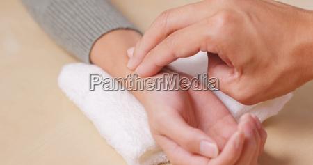 dottore medico donna donne dito salute