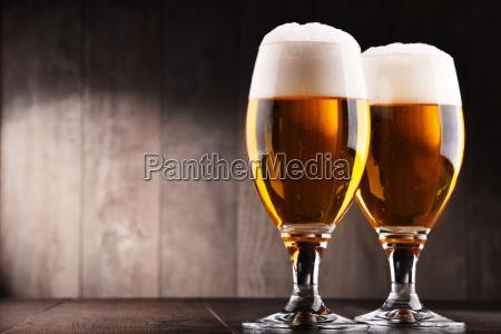bicchiere bere alcool birra bibita fabbrica