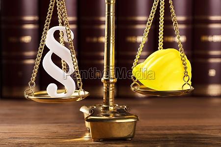 crimine legge difficile reato giudice paragrafo