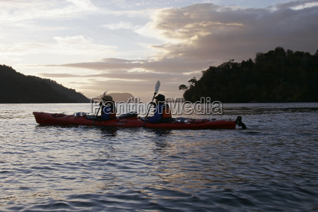 sea kayak in the evening parque
