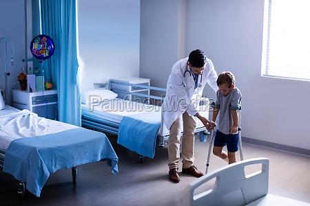 medico medicina virile mascolino caucasico europeo