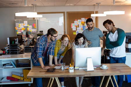 business team creativo che lavora insieme