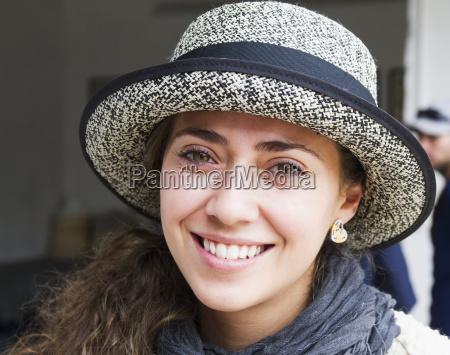 donna a homero ortega cappello panama
