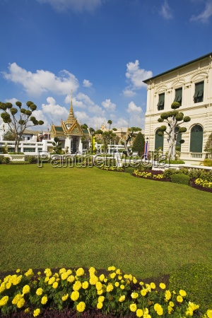 gardens at royal grand palace in