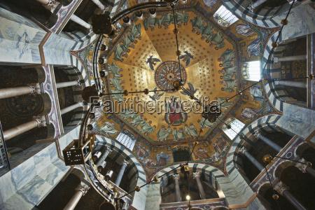 torre religione fede chiesa finestra cattedrale