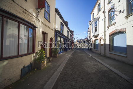 a narrow street between buildings ripon