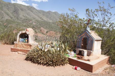 road shrines to the ninito jesus