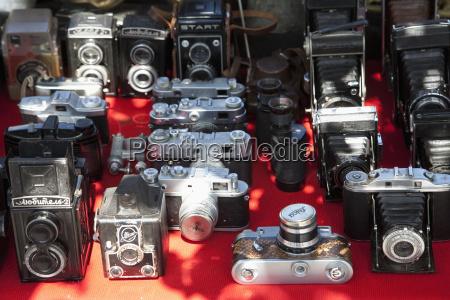 telecamere fotografiche al mercato delle pulci