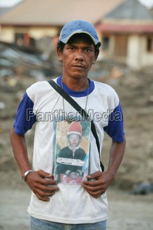 emotivo ritratto perso indonesia figlio perdita