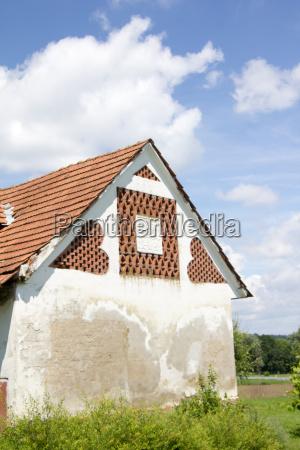 muro mattoni stalla fattoria dependance stallo