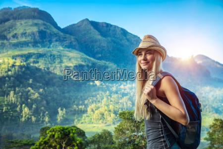 donna montagne vacanza vacanze turismo estate
