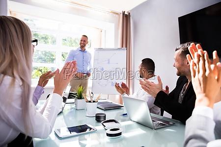 persone popolare uomo umano ufficio persona
