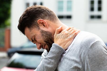 dolore rigido collo nuca raccordi postura