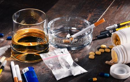 sigaretta bere alcool inclinazione tendenza dipendenza