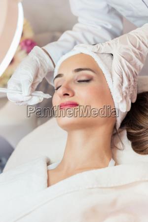 beautiful woman relaxing during non invasive