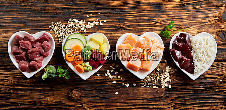 panorama di ingredienti freschi sani per